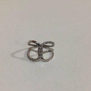 Jewelry - Sterling silver ring size 7